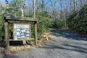 Parking For Rocky Head Trail